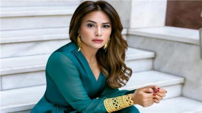 برنامج مش مسلسل: هند صبري تستضيف هيفاء وهبي وأحمد فهمي